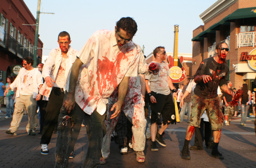 zombies arrastrando los pies